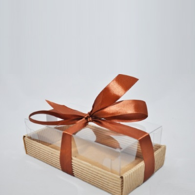 Коробочка с пластиковым верхом картон